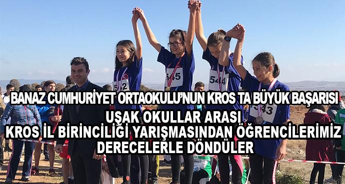 Banaz Cumhuriyet Ortaokulu'nun Kros Ta Büyük Başarısı