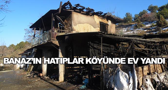 Banaz'ın Hatıplar Köyünde Ev Yandı