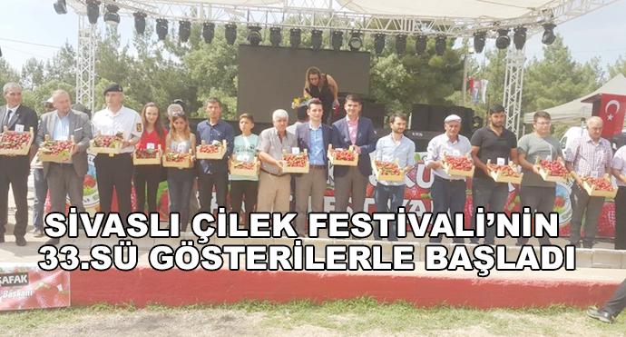 Sivaslı Çilek Festivali'nin 33.Sü Gösterilerle Başladı