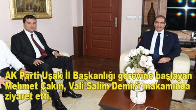 AK Parti Uşak İl Başkanlığı görevine başlayan Mehmet Çakın, Vali Salim Demir'i makamında ziyaret etti.